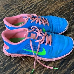 Nike Free 4.0 V3 Atomic Pink running shoes